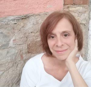 Excellence in Journalism Award winner Valerie Fortney Schneider
